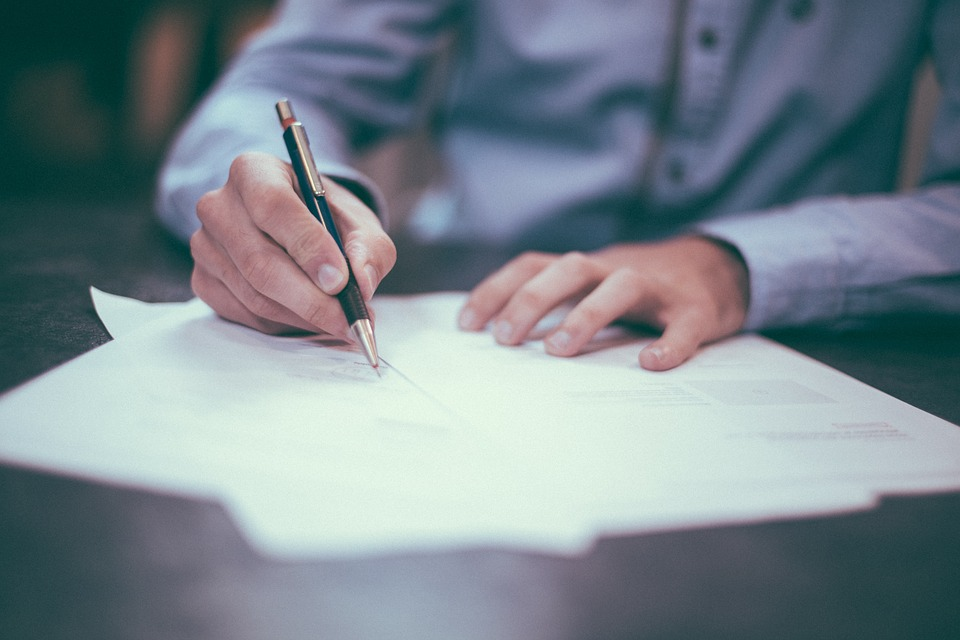 6 Things to Ask a Sheet Metal Fabricator Before Signing a Contract