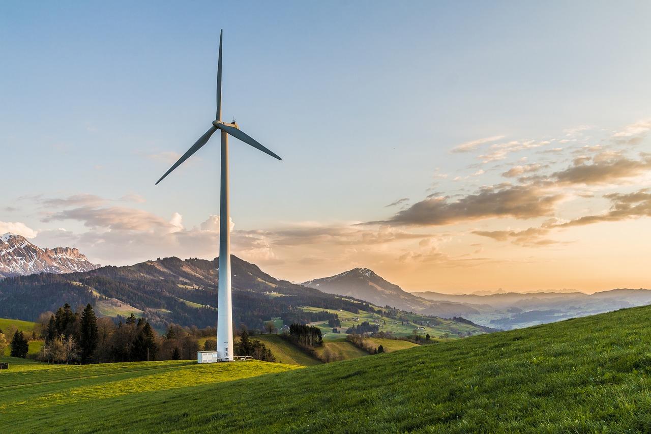 wind-turbine-2218467_1280